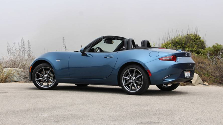 2019 mazda mx 5 miata first drive the whole package. Black Bedroom Furniture Sets. Home Design Ideas