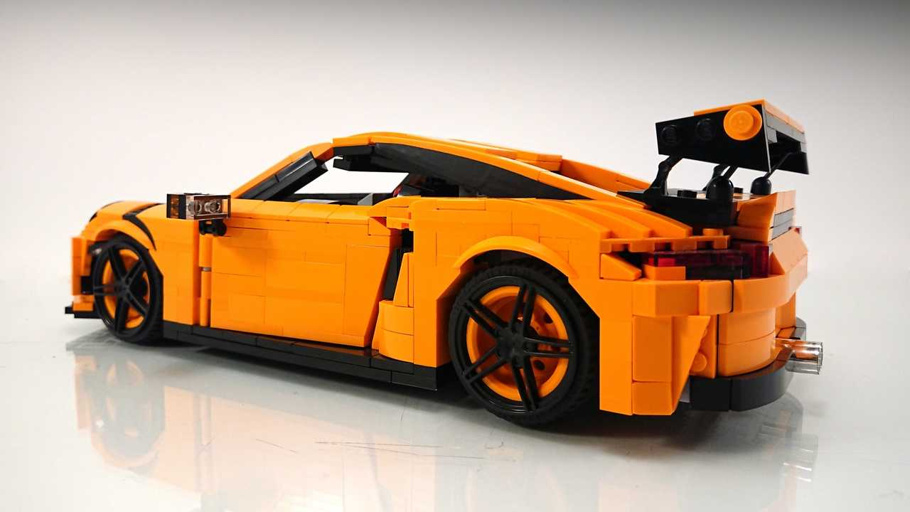 lego porsche 911 gt3 rs custom build is awesome in every way. Black Bedroom Furniture Sets. Home Design Ideas