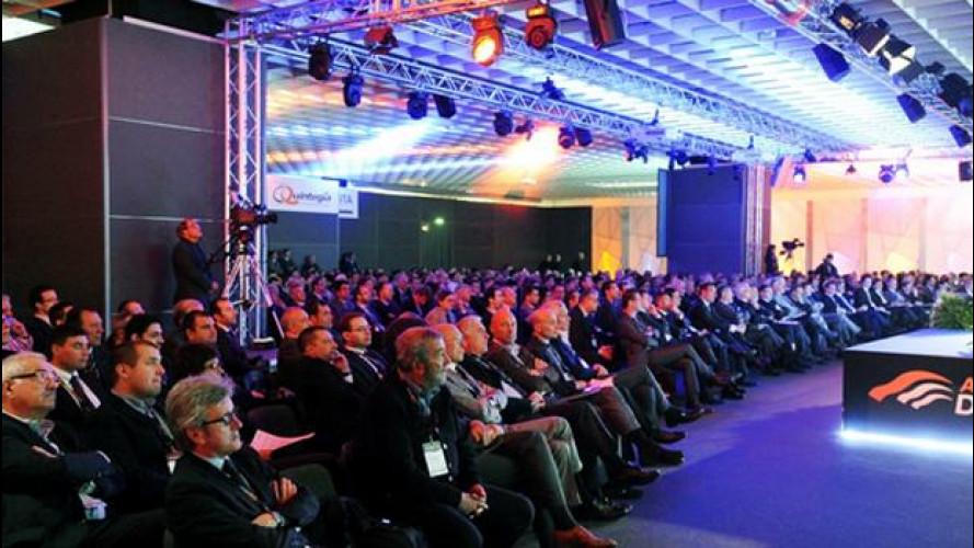 [Copertina] - Automotive Dealer Day: l'automobile deve convivere con la crisi
