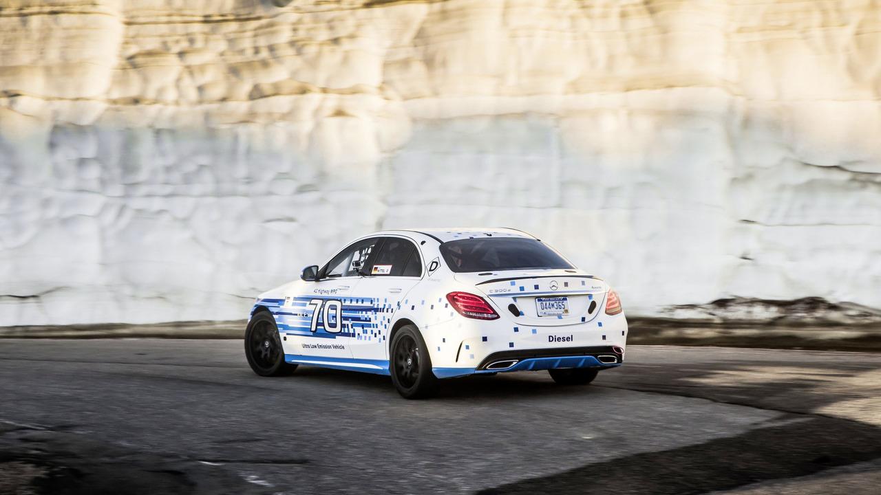 Mercedes-Benz C300d 4Matic U.S. spec