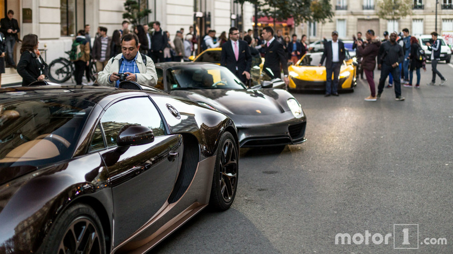 PHOTOS - Une collection d'hypercars dans les rues de Paris !