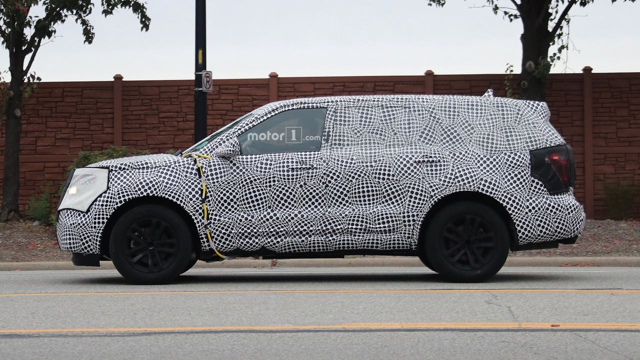 2019 Ford Explorer Spy Shots | Motor1.com Photos