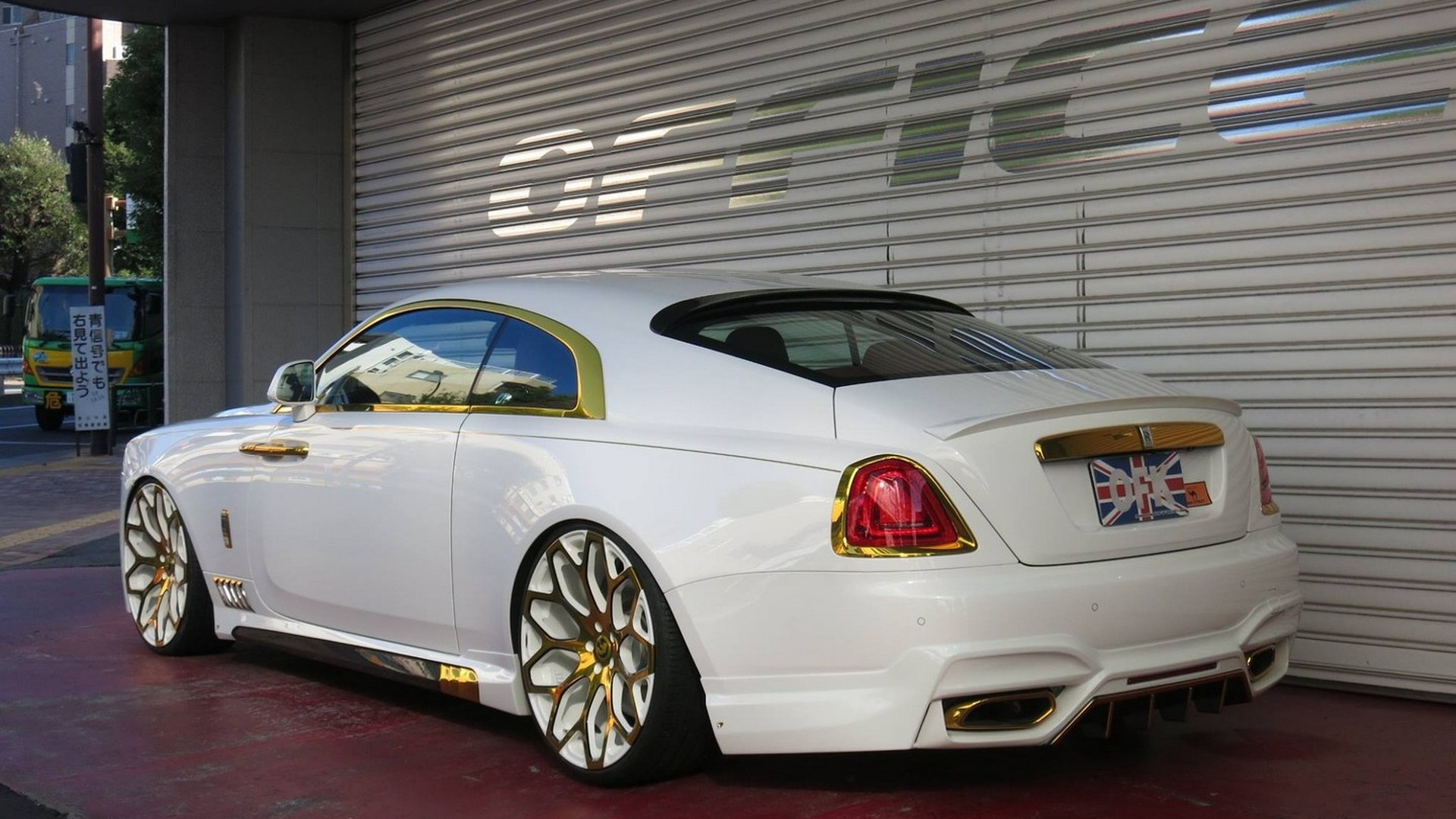 rolls-royce wraithoffice-k is not exactly what we would call elegant