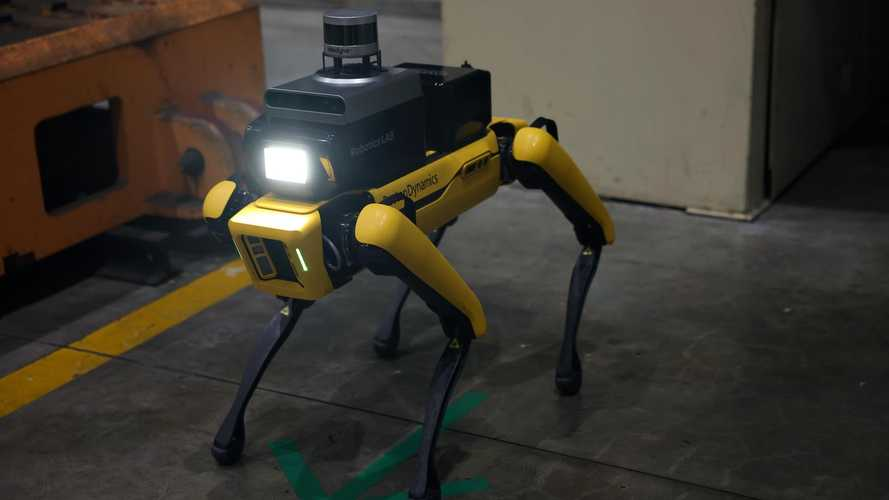 Hyundai Factory Safety Service Robot Now In Service
