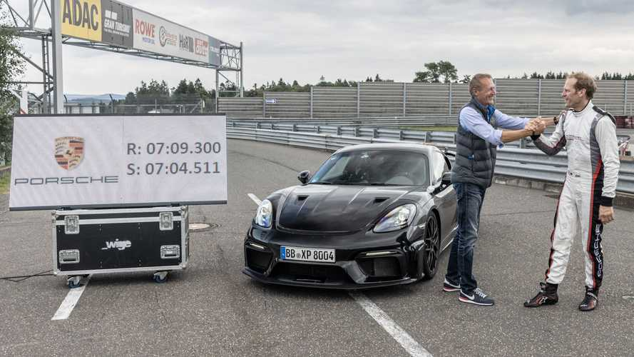 Porsche Cayman GT4 RS son testlerinden başarıyla geçti