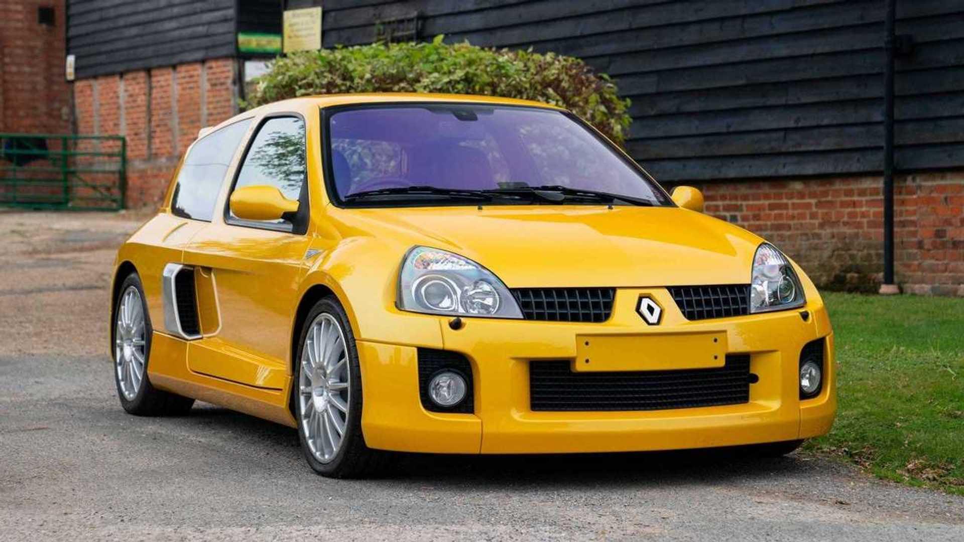 Cette Clio V6 de moins 1600 km est à vendre, record attendu !