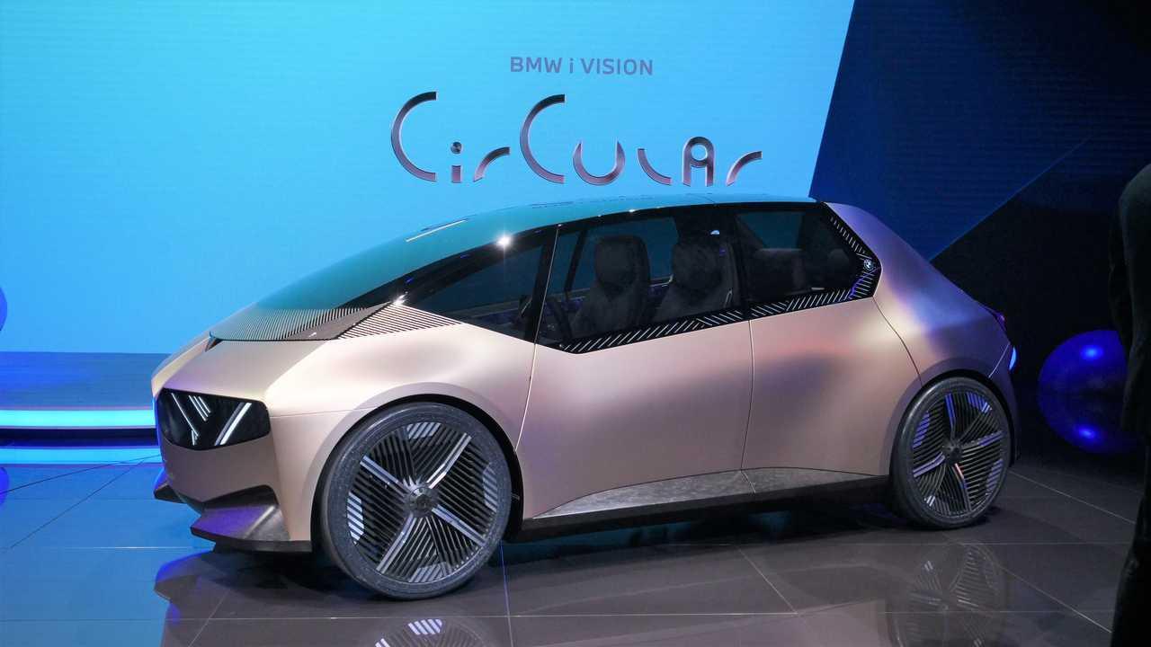 Élő képek a BMW i Vision Circular az IAA 2021