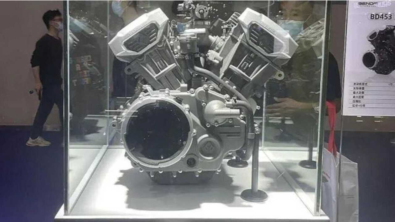 Benda Shows Off Two New V4 Engines At Chongqiong Moto Expo 2021