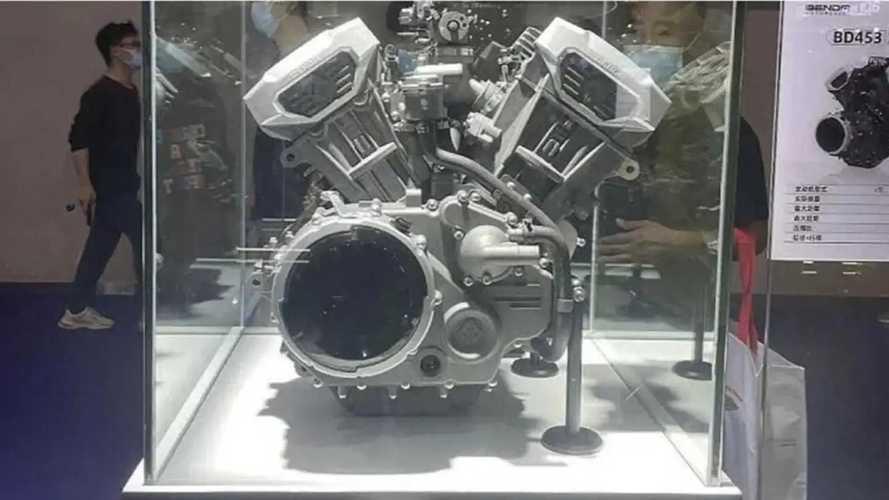 Benda Shows Off Two New V4 Engines At Chongqing Moto Expo 2021