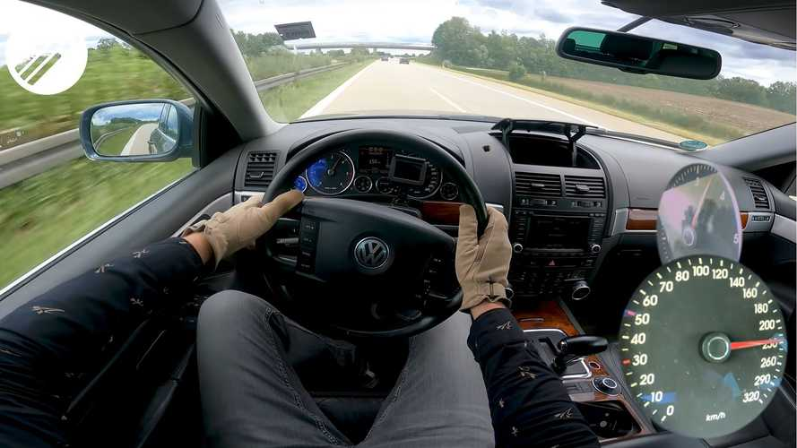 Assista: VW Touareg V10 turbodiesel anda a 240 km/h em Autobahn