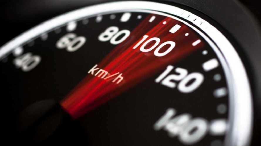 El margen de 20 km/h para adelantar, a debate en el Congreso