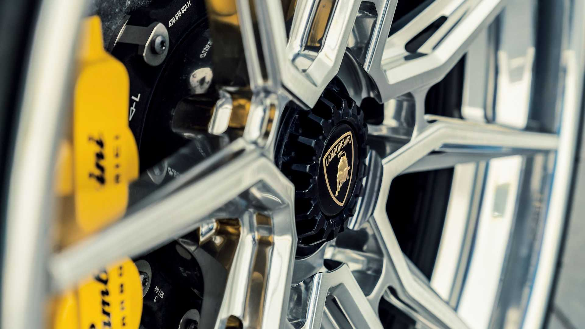 Lamborghini Aventador SV With Vossen 3-Piece Evo-2R Wheels