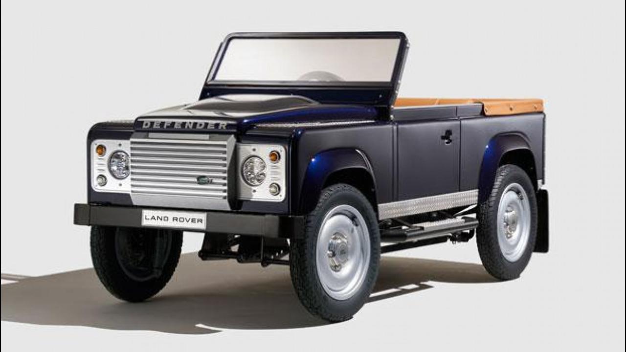 [Copertina] - Salone di Francoforte, il Land Rover Defender a pedali costa 14.000 euro