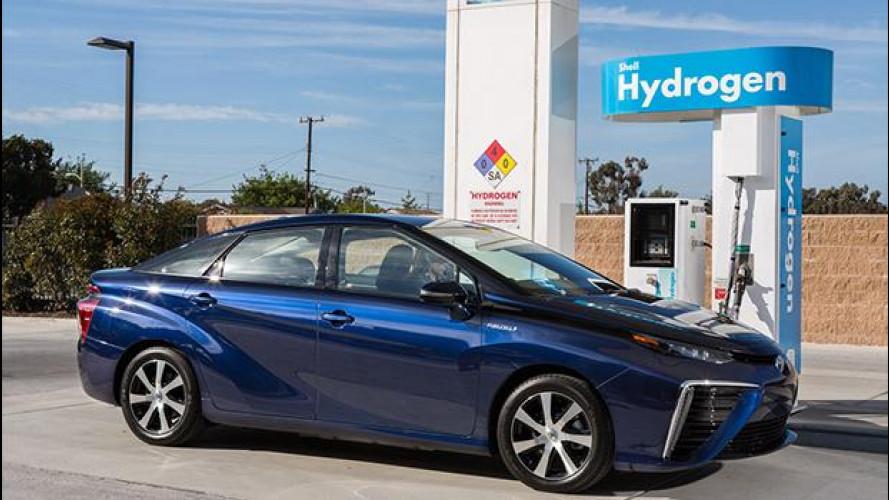 Toyota Mirai, perchè l'auto a idrogeno conviene (forse)