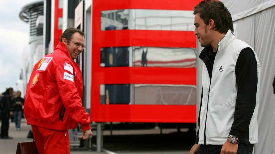 Whitmarsh says Alonso heading for Ferrari in 2010