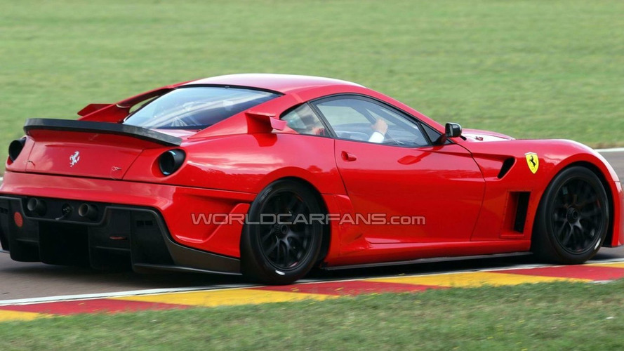 Ferrari 599XX testing at Maranello
