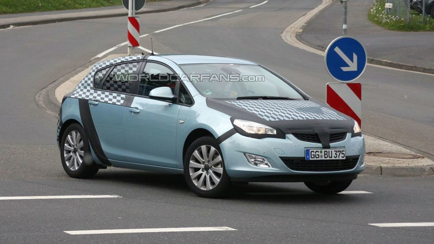 2010 Opel Astra 5-Door Post Reveal - Pics on the street