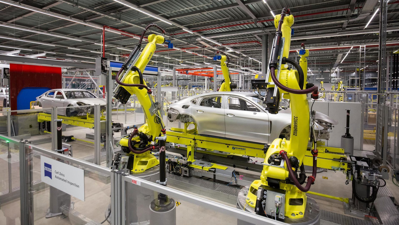 Porsche production robots