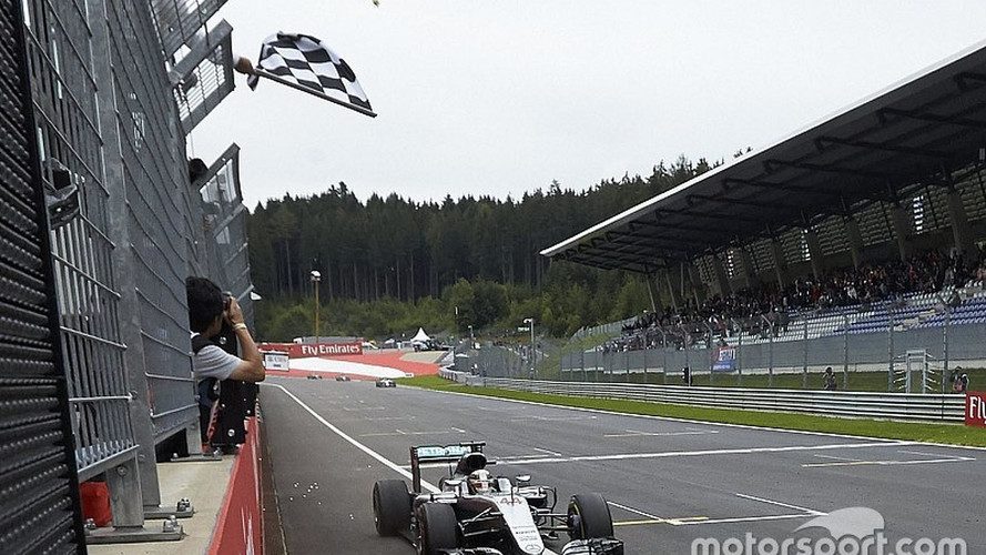 F1 Fans Get Chance To Wave Checkered Flag In Austria