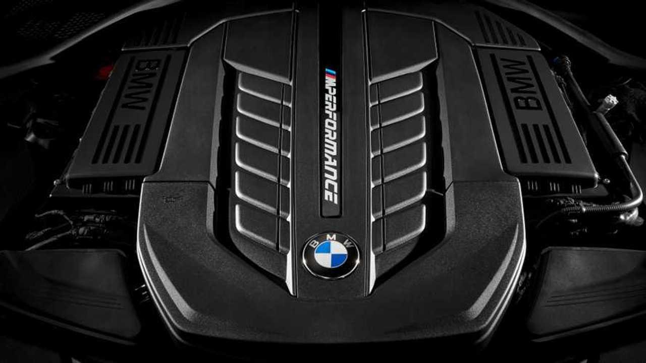 BMW M760Li xDrive engine