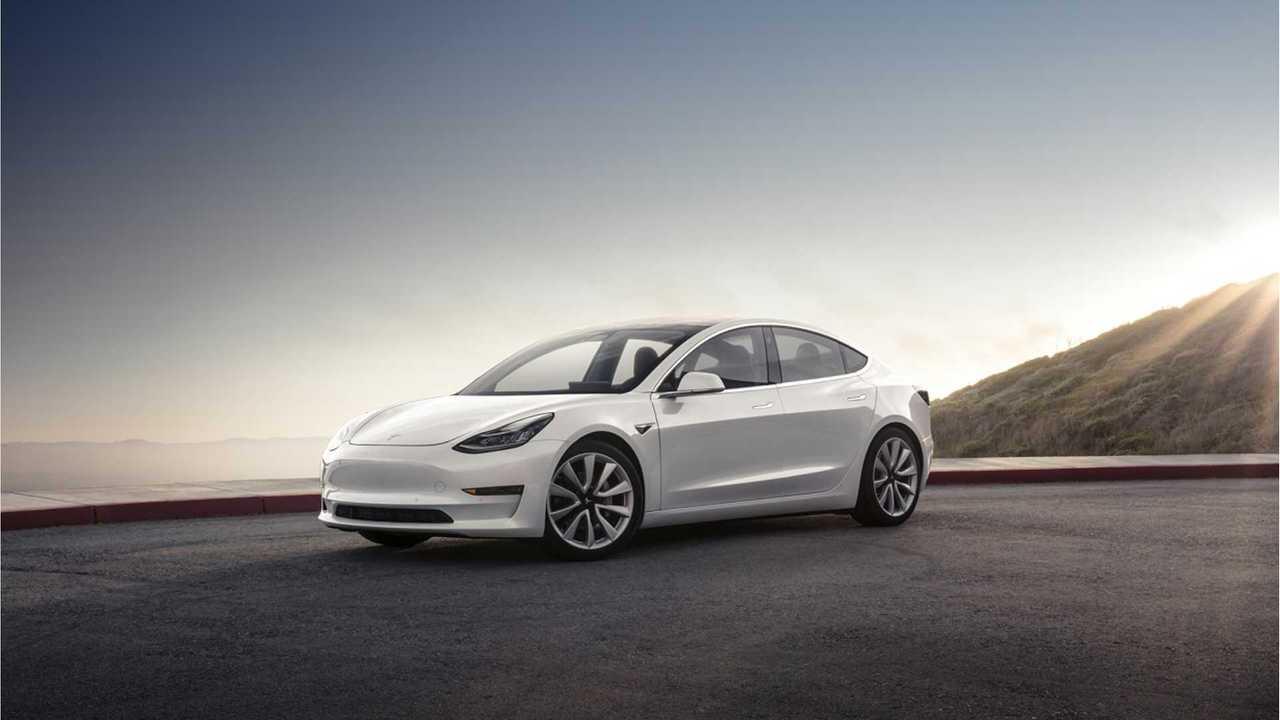 Tesla Model 3 white j28