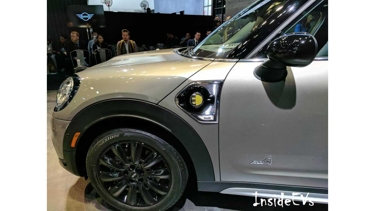 MINI PHEV from its global debut in Los Angeles