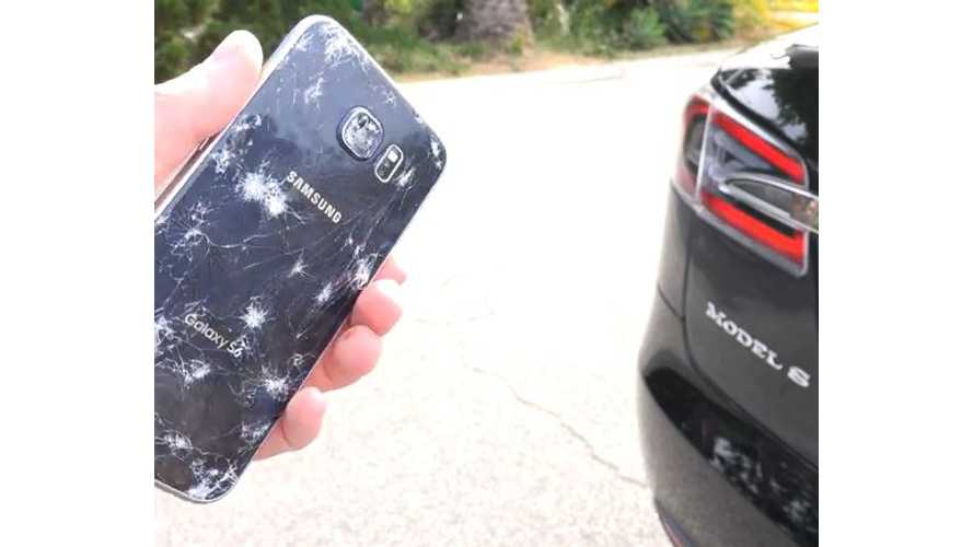 Tesla Model S Versus Samsung Galaxy S6 - Video