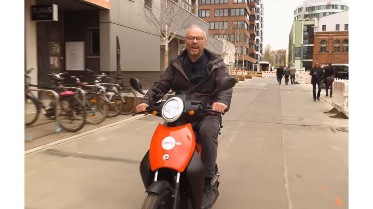 Emmy Scooters Ride Sharing In Berlin Featured By Fully Charged - Video