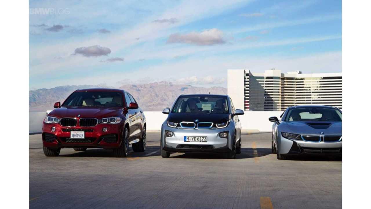 BMW i3 Parks Itself In Multi-Story Parking Garage
