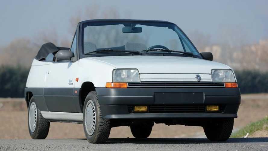 Une Renault Supercinq cabriolet proposée aux enchères