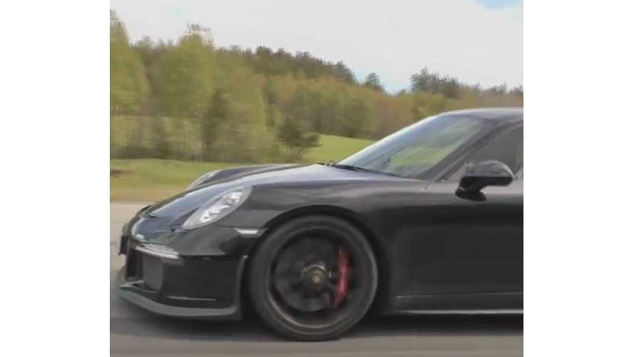 Tesla Model S P85D Versus Porsche 991 GT3 - Race Video