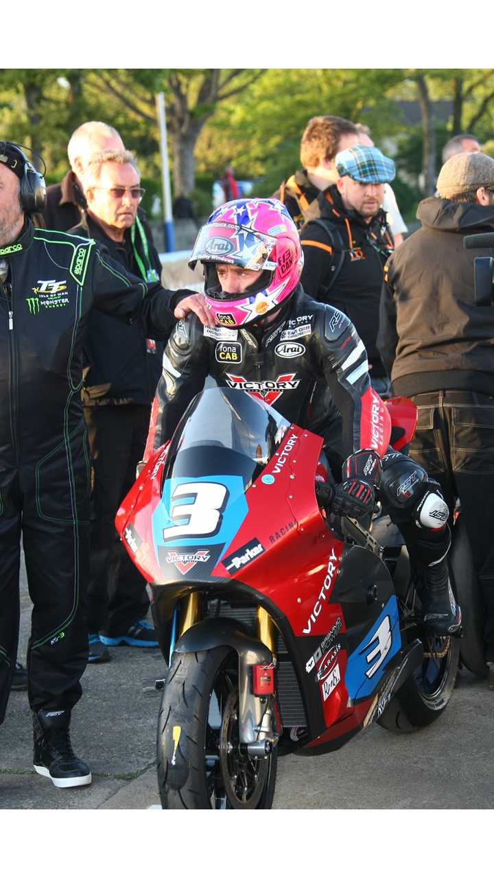 Lee Johnson at the start of the practice lap