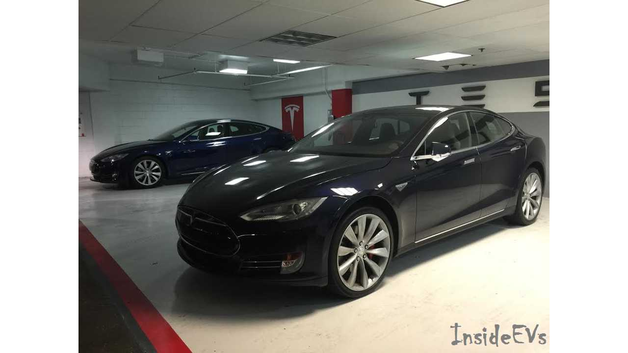 Tesla Model S - Comparing & Contrasting Metallic Blue & Deep Blue Metallic Paints - Photos & Video