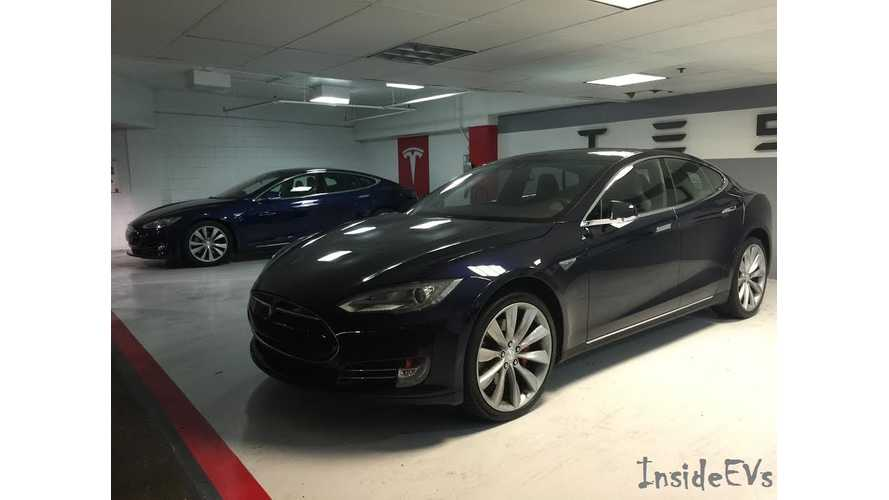 Tesla Model S - Comparing & Contrasting Metallic Blue & Deep Blue Metallic Paints - Photos & Video