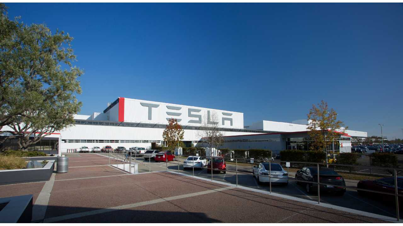 Tesla Signs Lease Deal For 500,000 Square Foot Ex-Solyndra Site