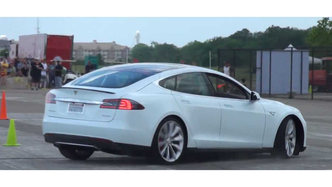 Tesla Model S P85D Autocrossing