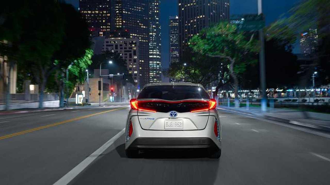 Toyota Prius Prime: Detailed Range/Efficiency Ratings - 27 Miles City, 54 MPG In Gas