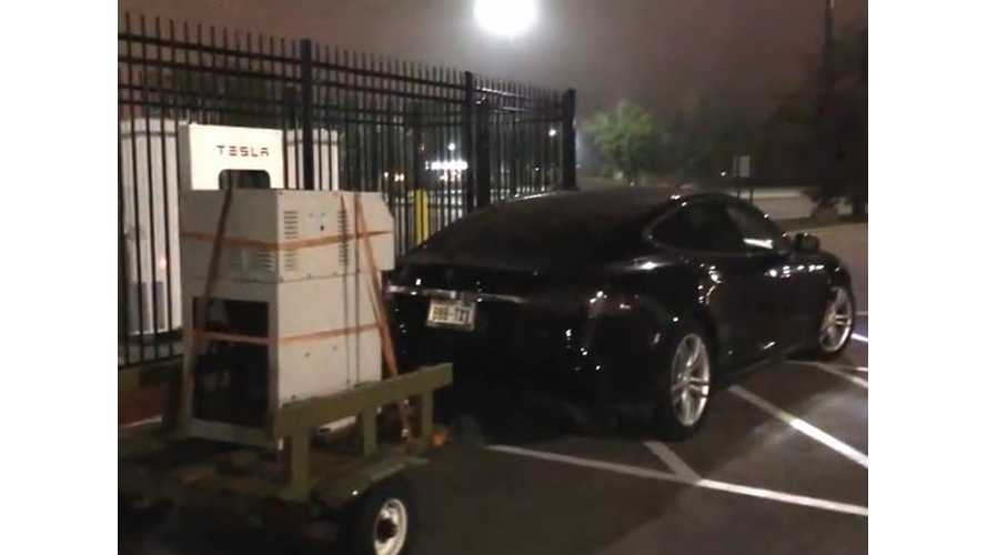 Tesla Model S Tows A Generator Long Distance On A Trailer - Video