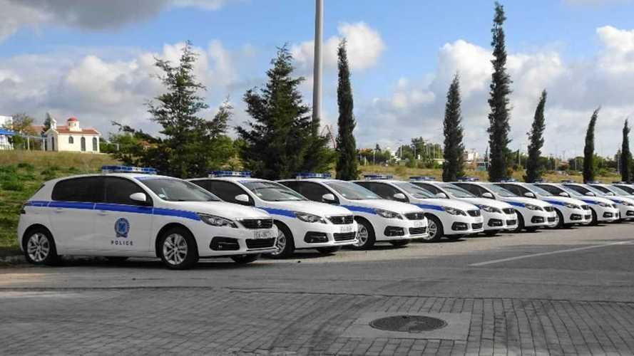 La police grecque reçoit ses Peugeot 308