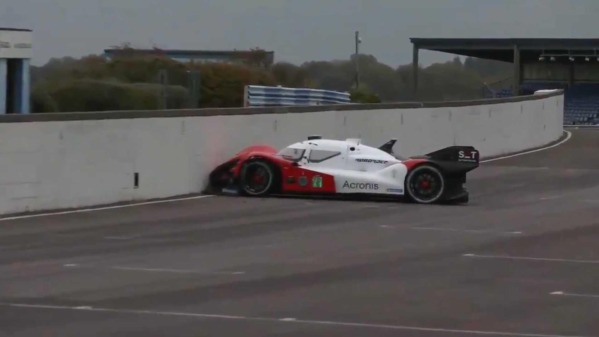 https://cdn.motor1.com/images/mgl/VkNeB/s1/autonomous-race-car-crash.jpg