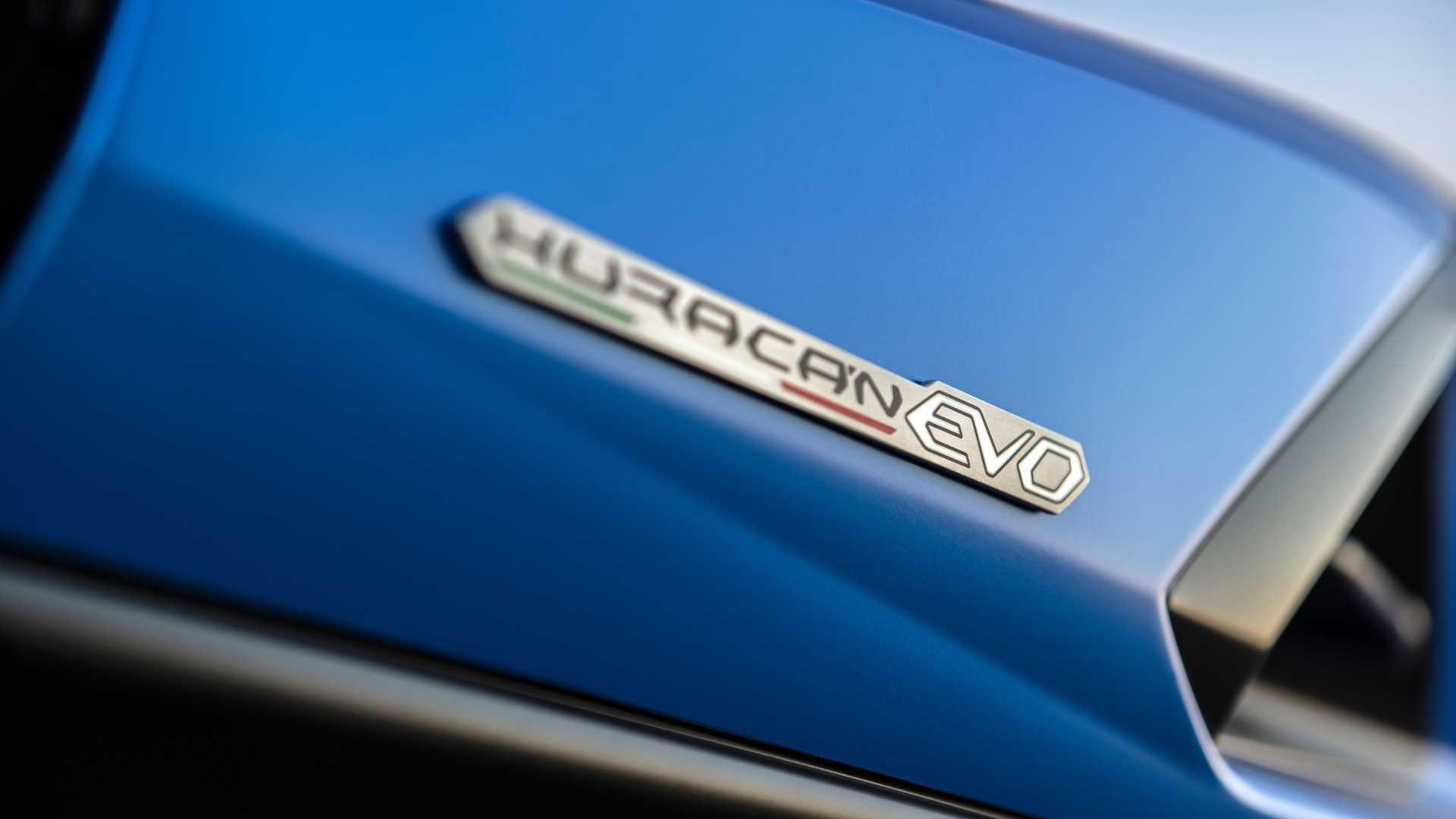 2020 Lamborghini Huracan Evo RWD badge detail