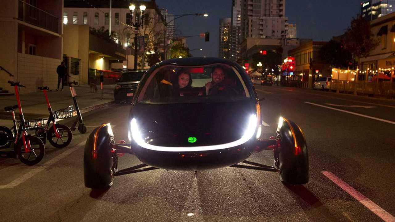 Aptera Rivela $25.900, 1.000 Miglia EV Mai caricare auto elettrica solare