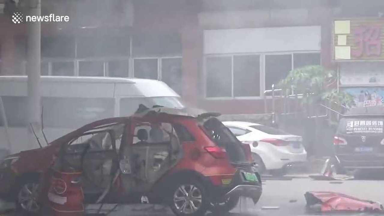 Felrobbant villanyautó
