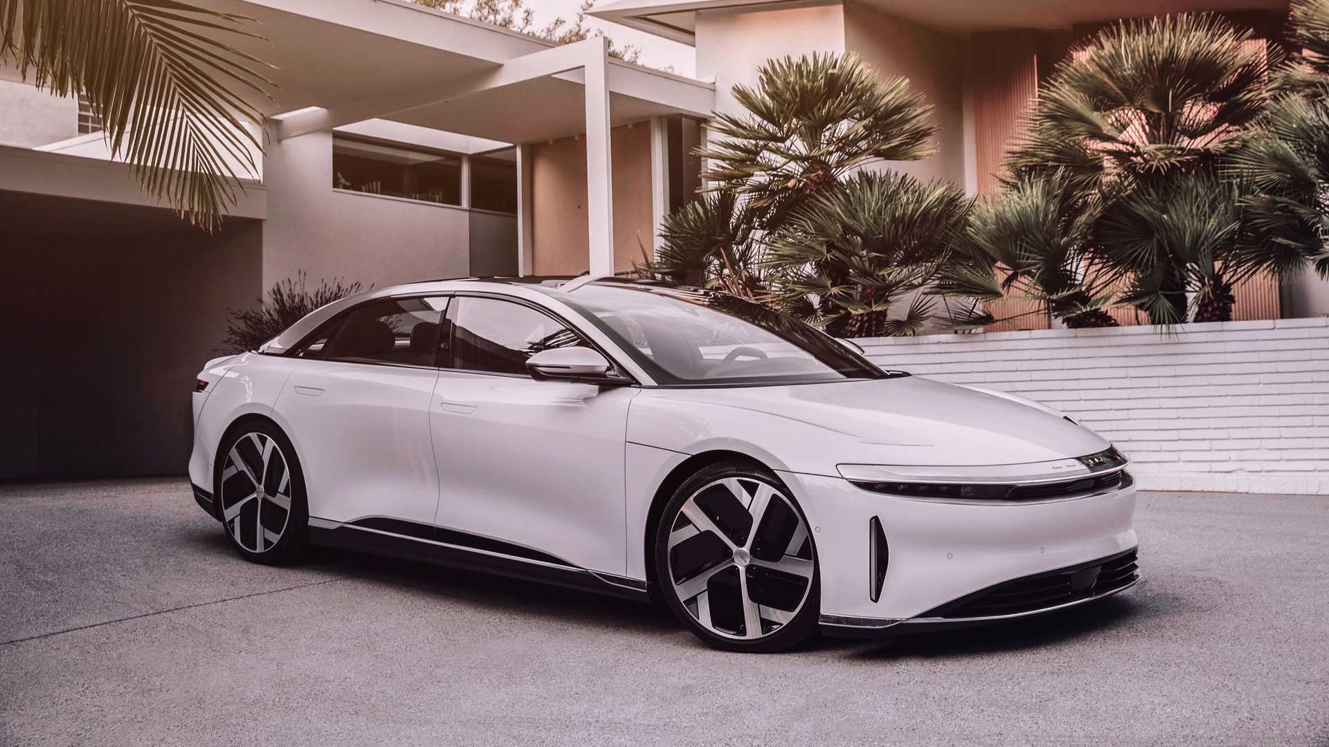 Lucid Air Dream Edition front 3/4 view