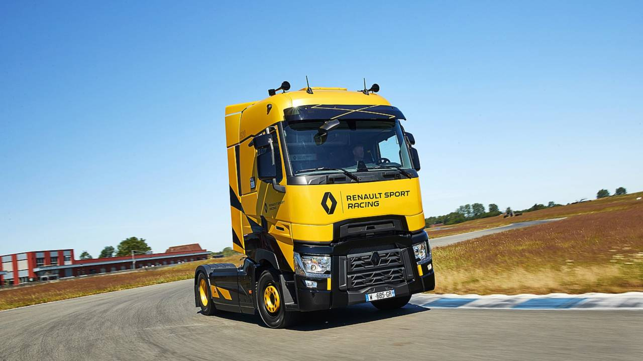 renault t high renault sport racing edition un camion de 520 ch. Black Bedroom Furniture Sets. Home Design Ideas