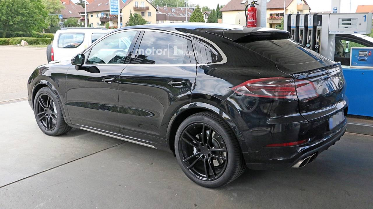 2020 porsche cayenne coupe spied inside and out at gas station. Black Bedroom Furniture Sets. Home Design Ideas