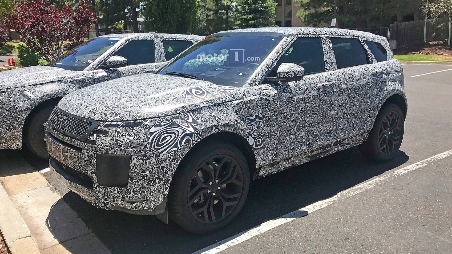 Range Rover Interior >> New Range Rover Evoque Flaunts Its Tech Focused Cabin In Spy Shots