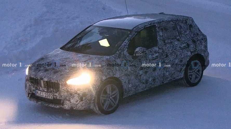 BMW 2 Serisi Active Tourer gazlarken yakalandı
