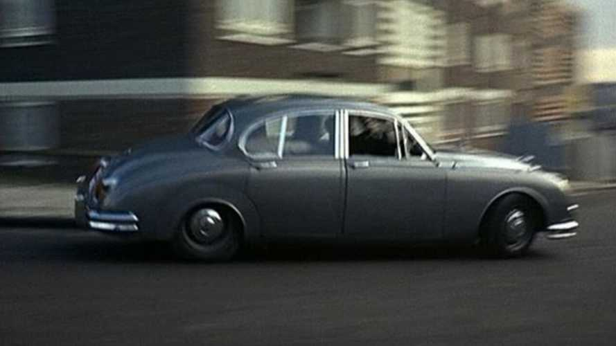 Classic Cars on Film: Jaguar vs Jaguar in Robbery