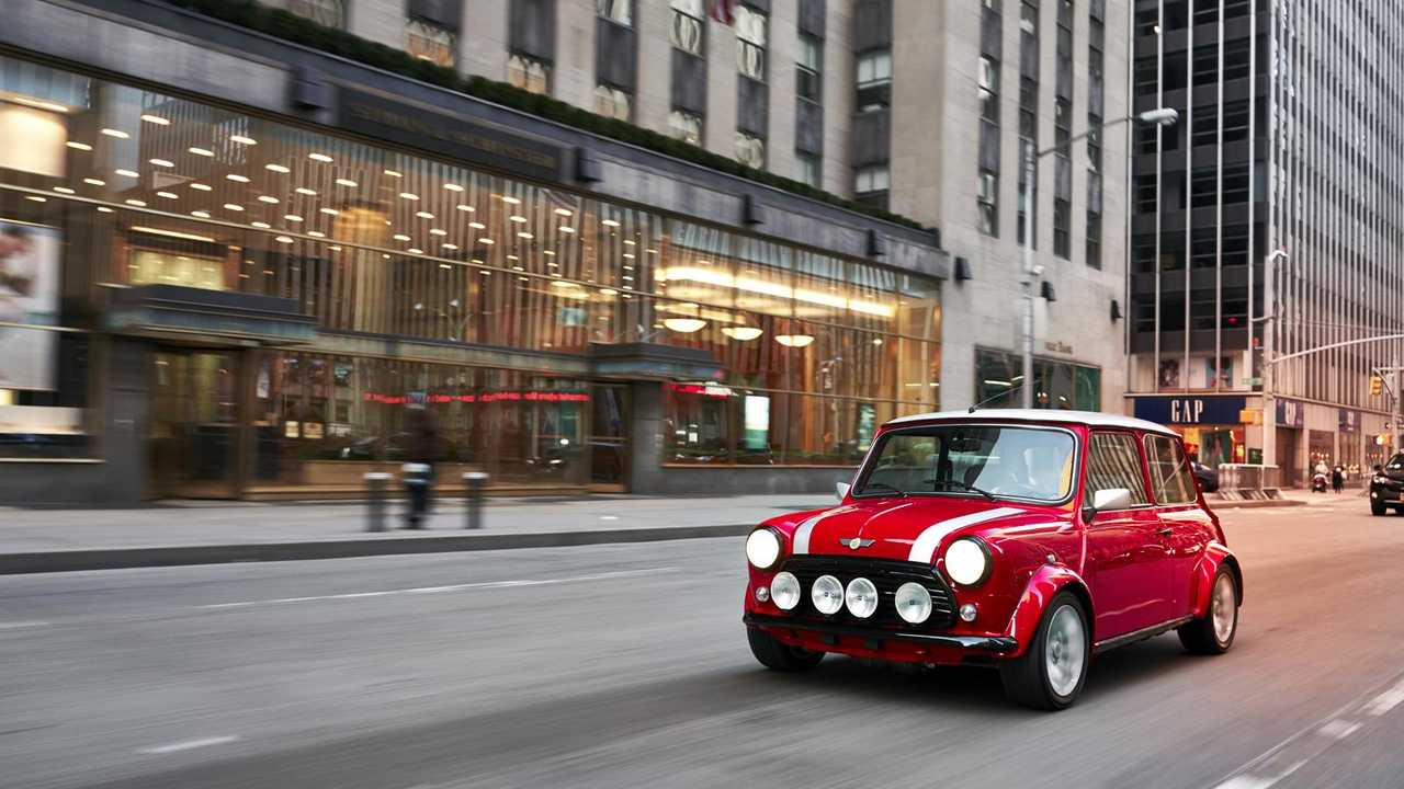 Electrifying! One-off battery-powered classic Mini unveiled
